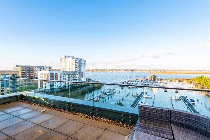 4 bed flat for sale in The Hamptons  - Property Image 11